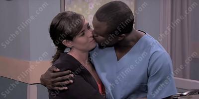 Weißen Schwarzes Mädchen Kerl küsst Die weiße