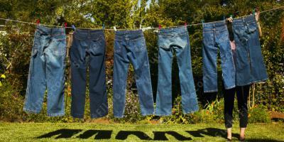 teens in ihre jeans nass